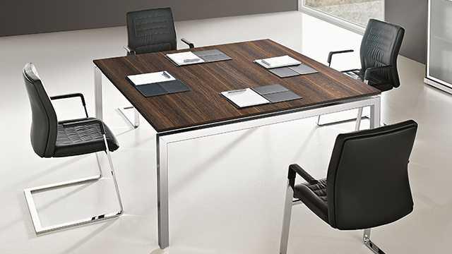 Стол для переговоров E.O.S. квадратный